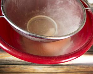 Using a strainer as a sifter